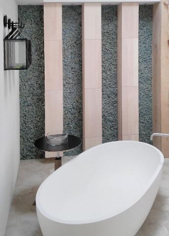 Отделка стабилизированным мхом нестандартного цвета мебели в ванной комнате, г. Киев